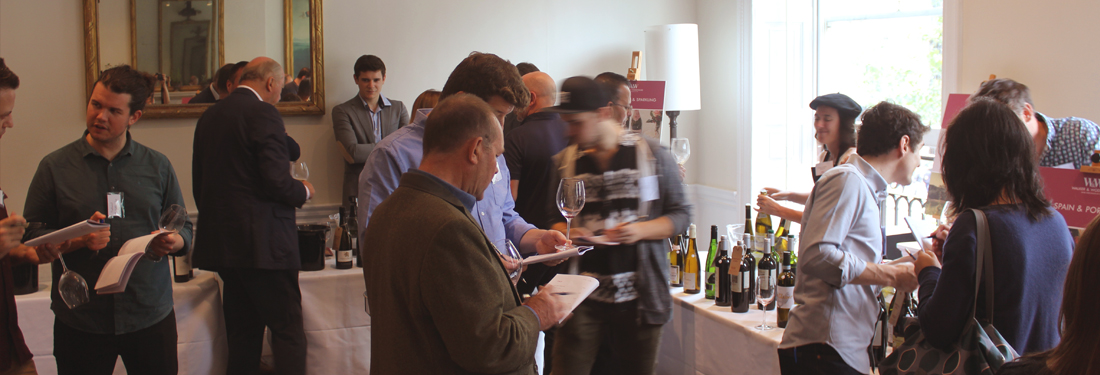 Attendees at Walke and Wodehouse tasting